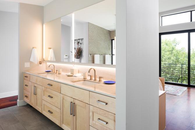 LED extrusion smooth lighting backlit mirror master bath